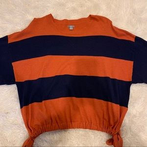 American eagle sweater with tie accent on bottom
